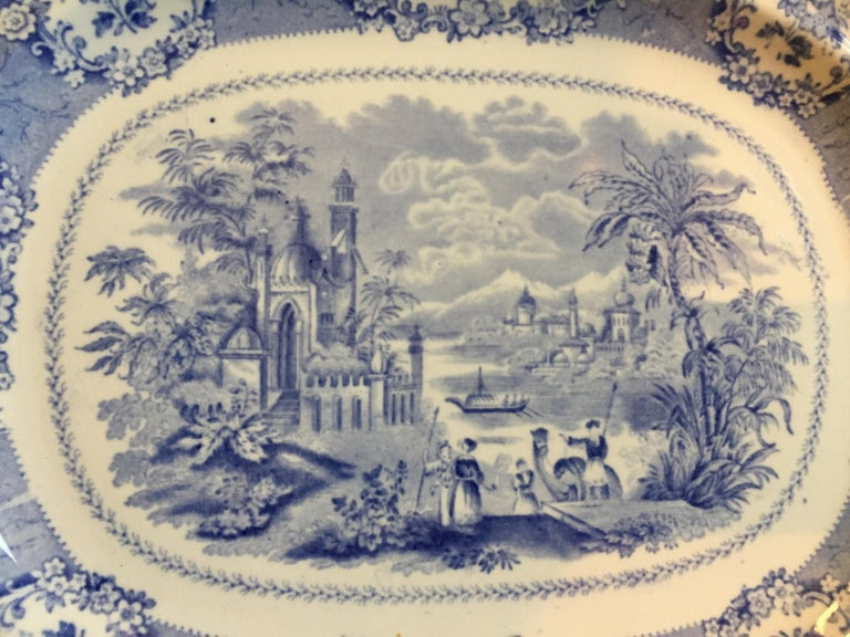 Vintage English Blue and White Platter In Good Condition For Sale In Chicago, IL
