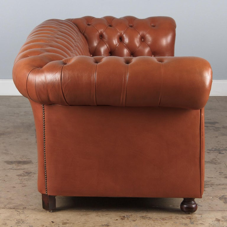 Vintage English Leather Chesterfield Sofa, 1960s For Sale 6