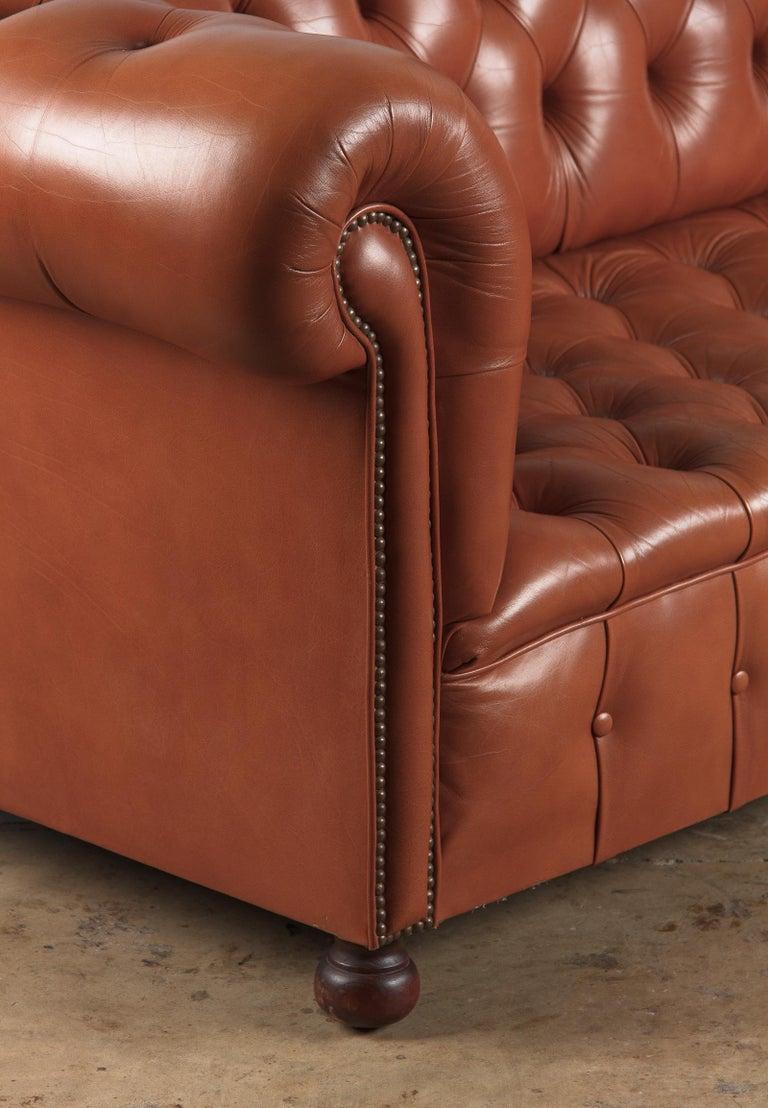 Vintage English Leather Chesterfield Sofa, 1960s For Sale 7
