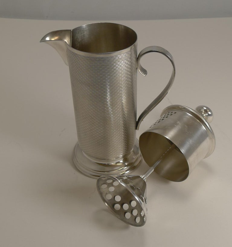 Art Deco Vintage English Silver Plated Cocktail Mixer, circa 1930 For Sale