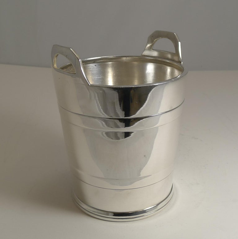 Vintage English Silver Plated Ice Bucket by Elkington and Co. For Sale 1