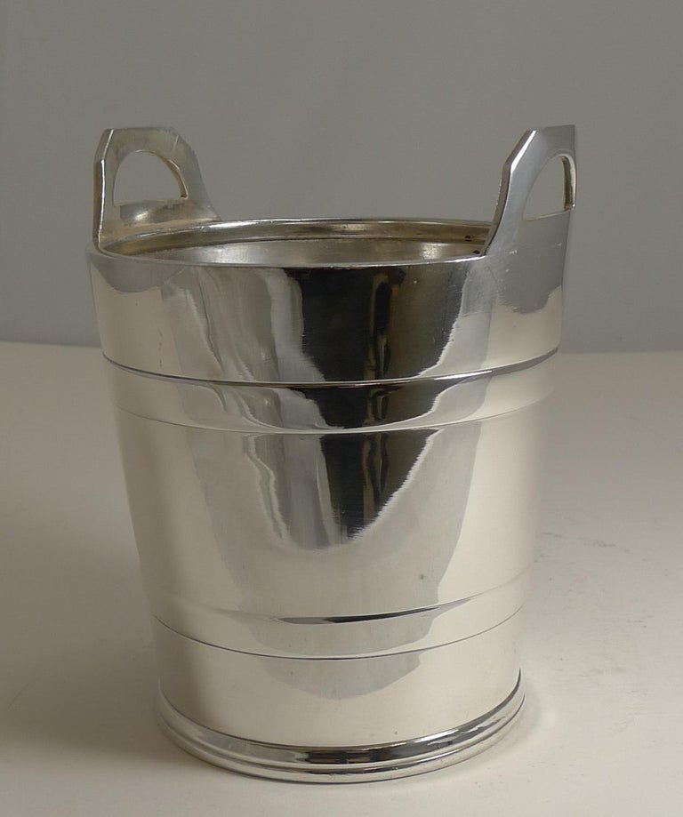 Vintage English Silver Plated Ice Bucket by Elkington and Co. For Sale 2