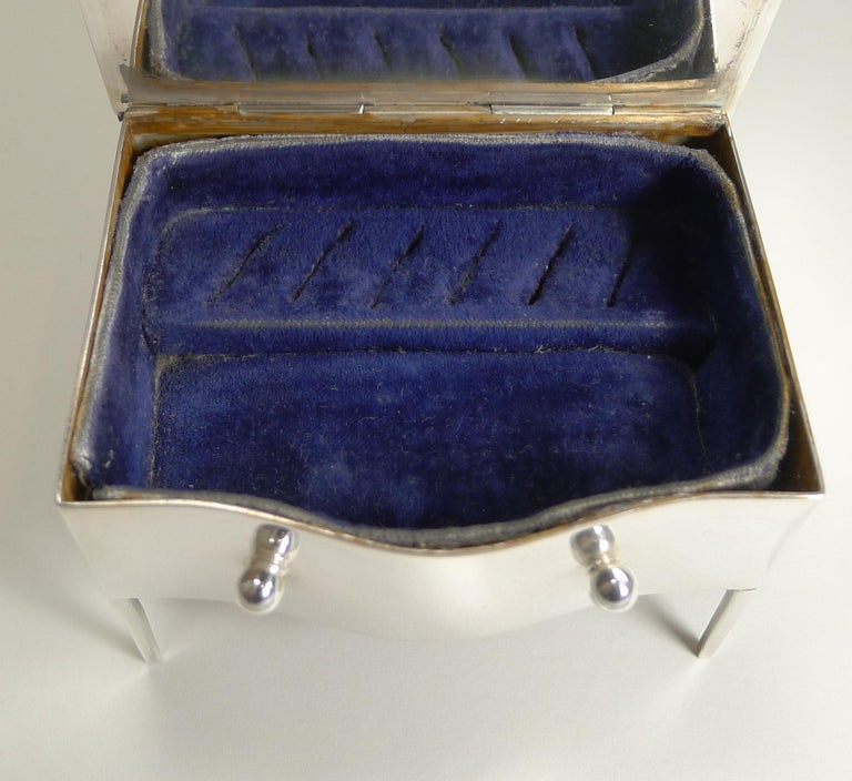 Vintage English Sterling Silver Jewelry / Ring Box in the Form of a Dresser For Sale 6