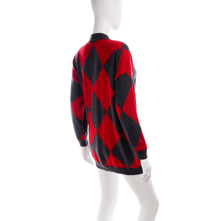 Vintage Escada Red & Black Fleur De Lis Harlequin Oversized Cardigan Sweater In Excellent Condition For Sale In Portland, OR
