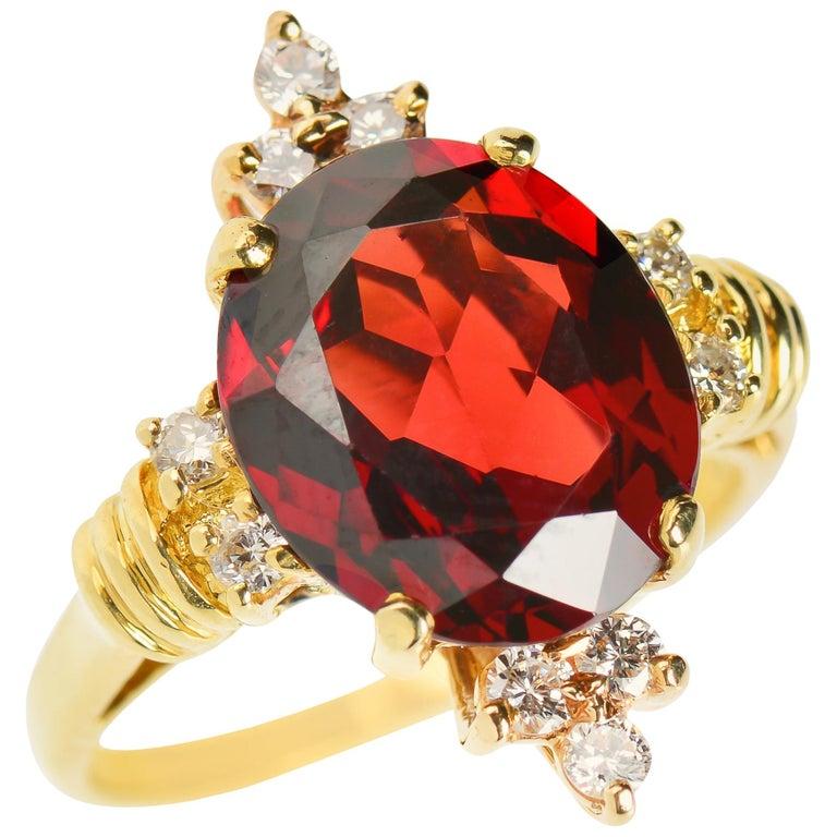 Vintage Estate 18 Karat Garnet and Diamond Ring For Sale