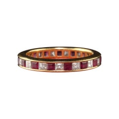 Vintage Estate 18 Karat Yellow Gold Carre Cut Diamond and Ruby Wedding Band