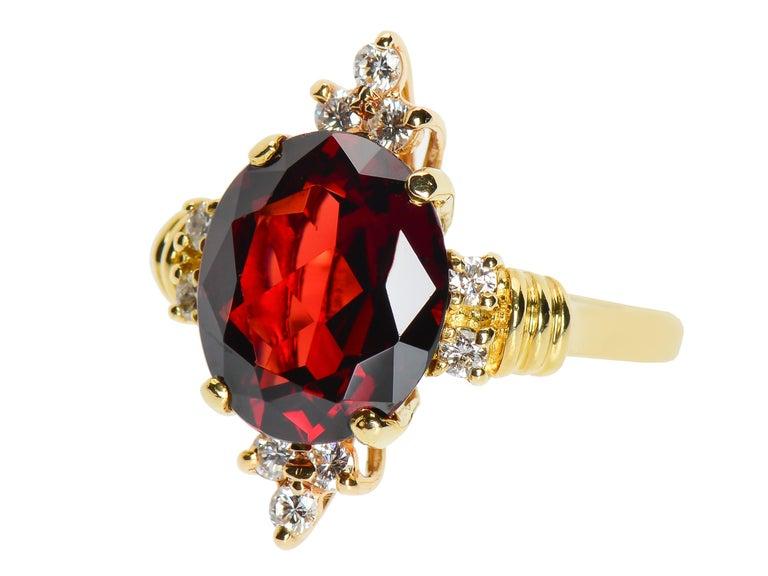 Post-War Vintage Estate 18 Karat Garnet and Diamond Ring For Sale