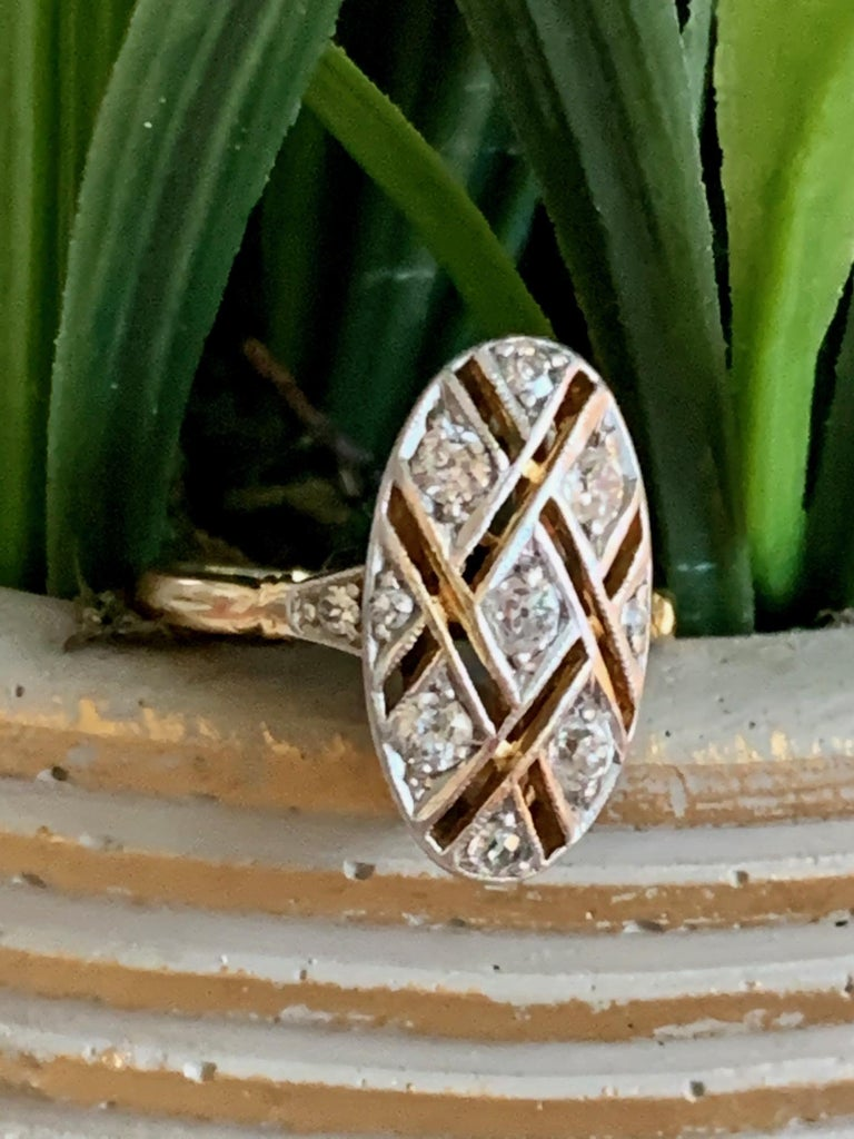 Vintage Euro Cut Diamonds Platinum Top 18 Karat Yellow Gold Ring In Good Condition For Sale In St. Louis Park, MN