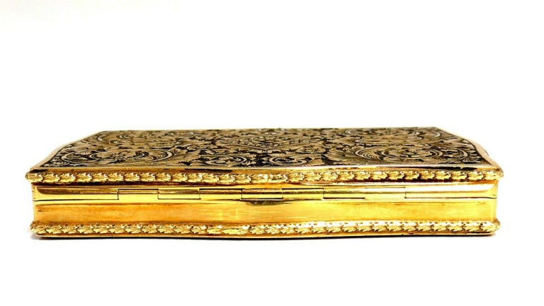 Vintage European Artisan Graver Gold Box Keepsake 18 Karat For Sale 1