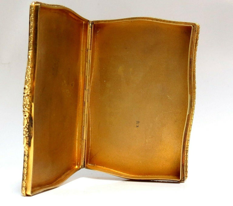 Vintage European Artisan Graver Gold Box Keepsake 18 Karat For Sale 4