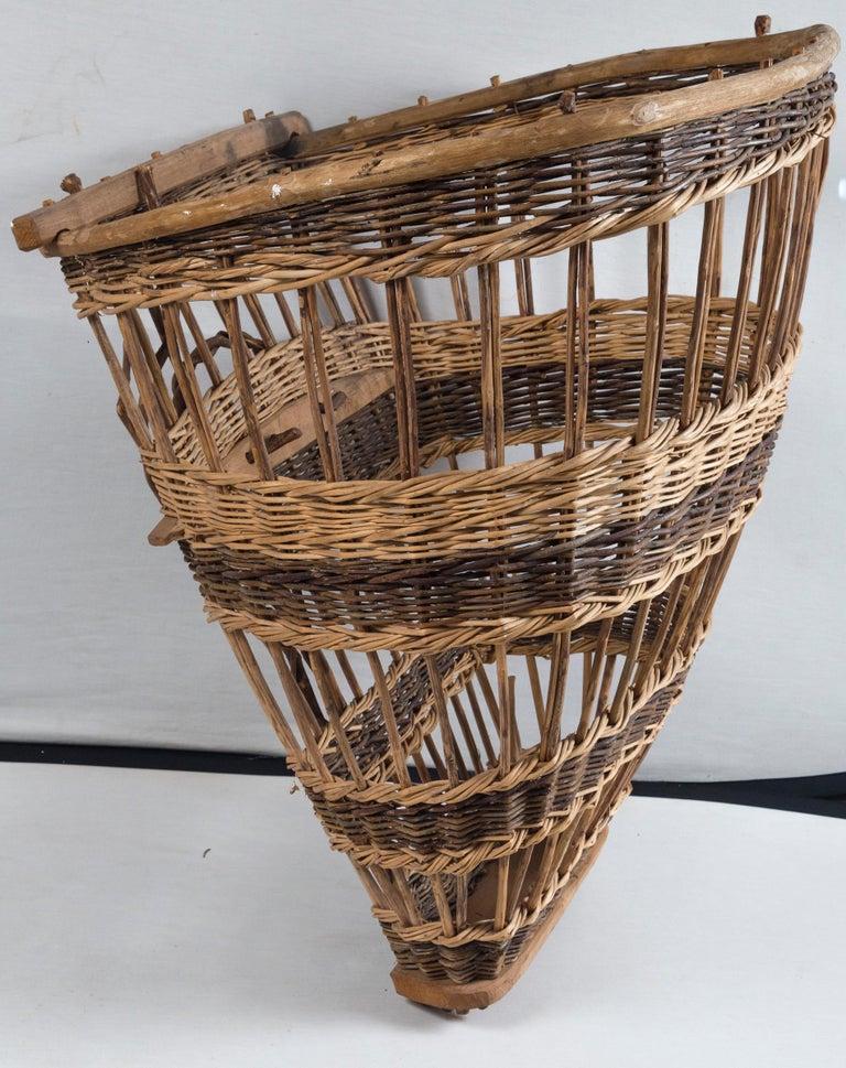 Vintage European Field Basket, 20th Century For Sale 1