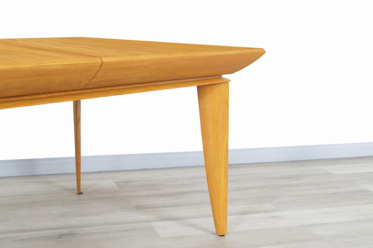 Mid-20th Century Vintage Expanding Dining Table by Paul Laszlo for Brown Saltman For Sale