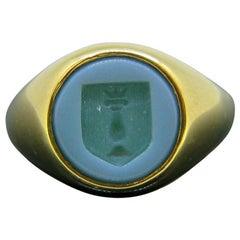 Vintage Family Crest Agate Intaglio Signet Ring, 18kt Gold