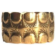 Vintage Fancy 9 Carat Gold Band