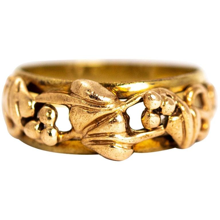 Vintage Fancy 9 Carat Gold Wedding Band For Sale