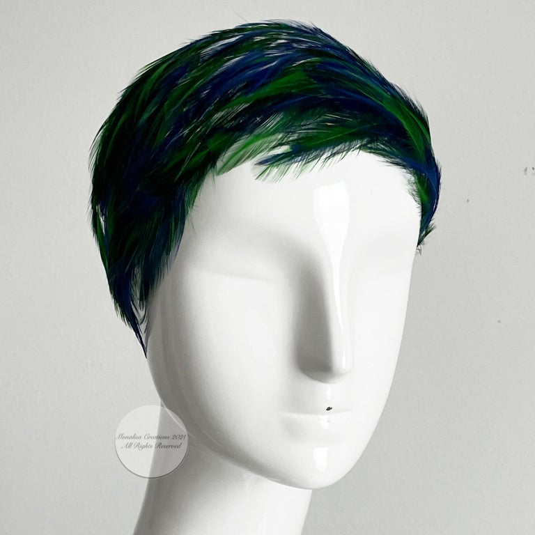 Vintage Fascinator Hat with Peacock Color Feathers OSFM In Good Condition For Sale In Port Saint Lucie, FL