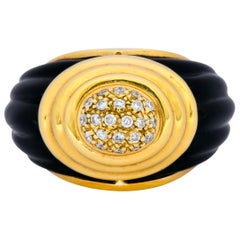 Vintage Fine French Diamond Onyx 18 Karat Gold Ring