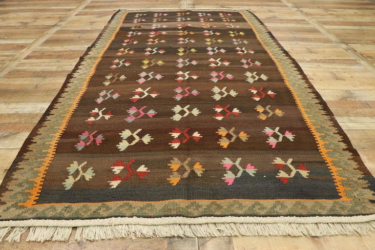 Wool Vintage Flat-Weave Turkish Floral Kilim Rug with Boho Farmhouse Style For Sale