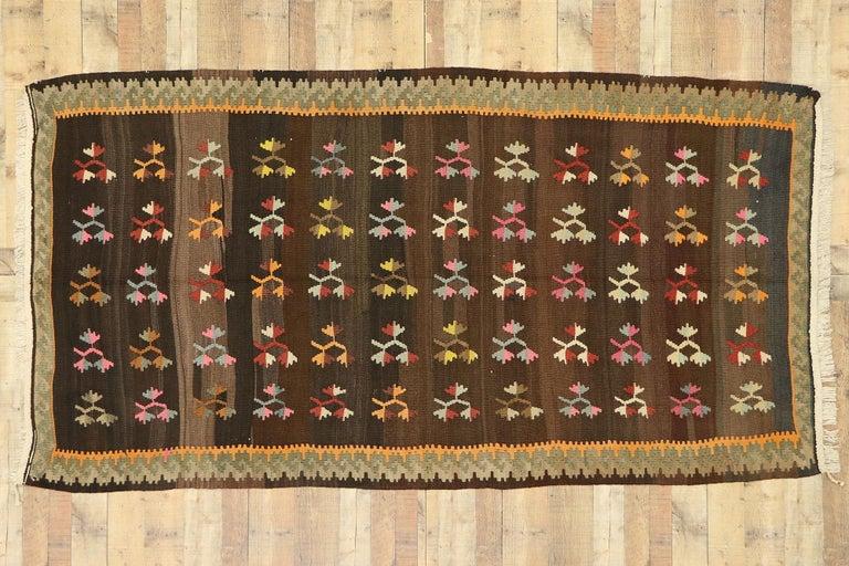 Vintage Flat-Weave Turkish Floral Kilim Rug with Boho Farmhouse Style For Sale 1