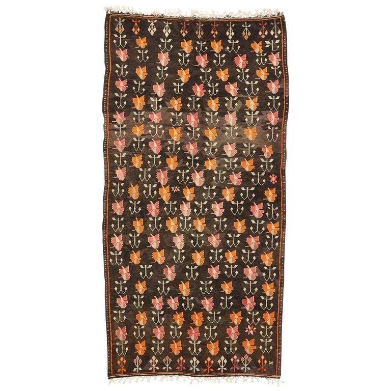 Vintage Flat-Weave Turkish Floral Kilim Rug with Boho Farmhouse Style For Sale