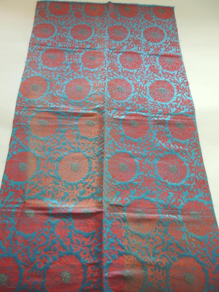 Vintage Floral Red and Turquoise Silk Woven Obi Textile In Good Condition For Sale In Wilton Manors, FL