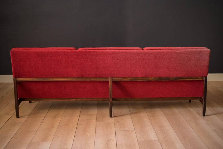 Vintage Florence Knoll Three-Seat Rosewood Sofa For Sale 8