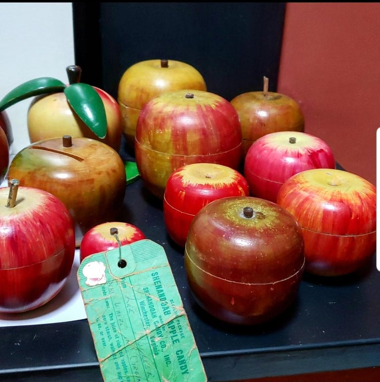 62 Vintage Folk Art Hand Painted Apple Collection and Display, Circa 1890-1950 For Sale 11
