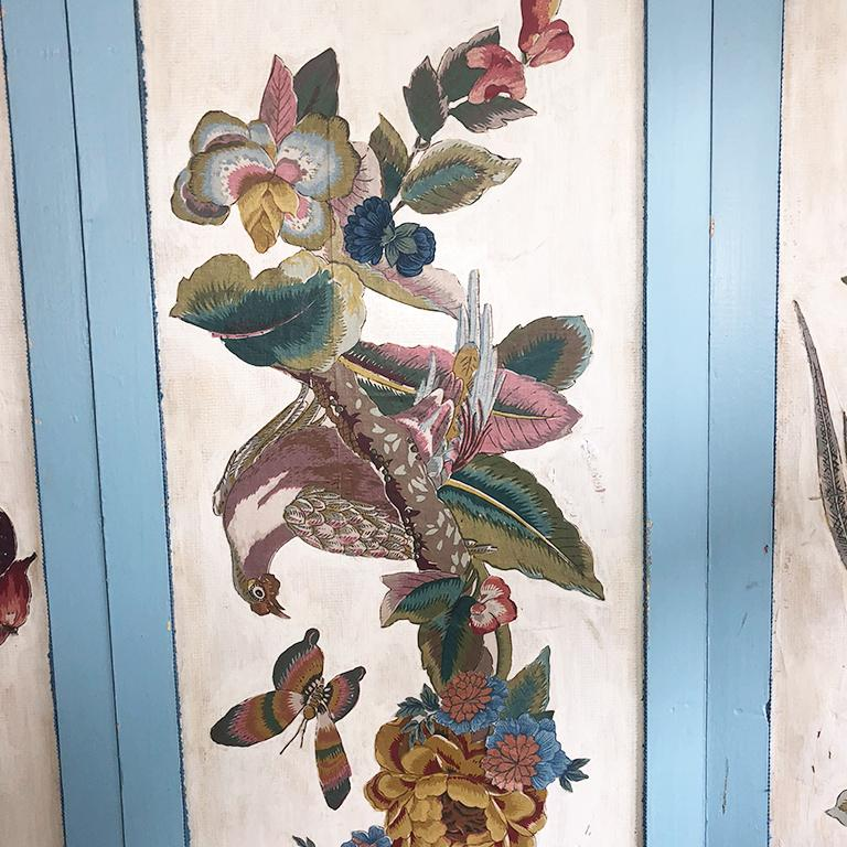 American Vintage Four Panel Blue Divider Screen with Chinoiserie Birds and Flowers For Sale