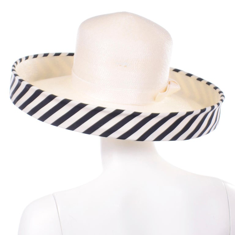 Vintage Frank Olive Ivory Straw Hat With Black & White Stripe Upturned Brim In Excellent Condition For Sale In Portland, OR