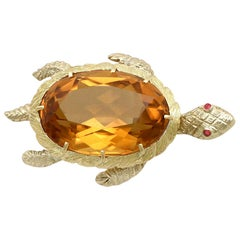 Vintage French 1960s 38.65 Carat Citrine and Ruby Yellow Gold Turtle Brooch