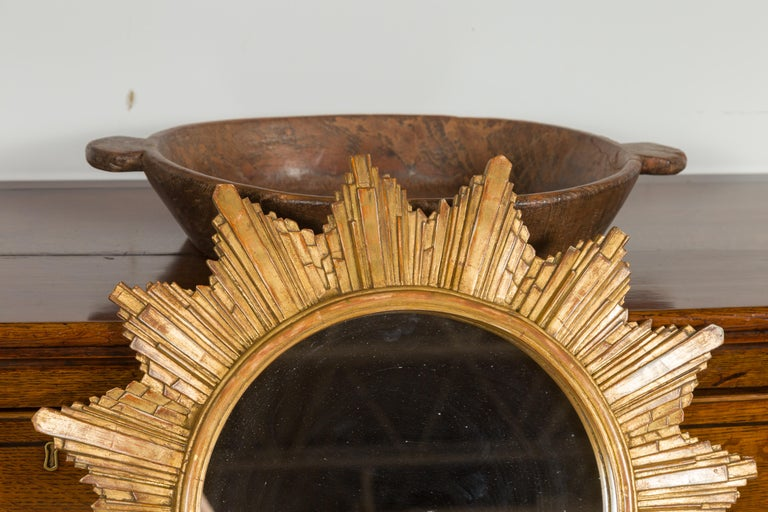Vintage French 1970s Gilt Composition Sunburst Mirror with Rays of Varying Sizes In Good Condition For Sale In Atlanta, GA