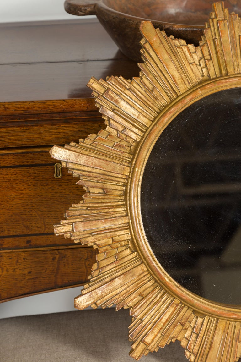 Vintage French 1970s Gilt Composition Sunburst Mirror with Rays of Varying Sizes For Sale 2