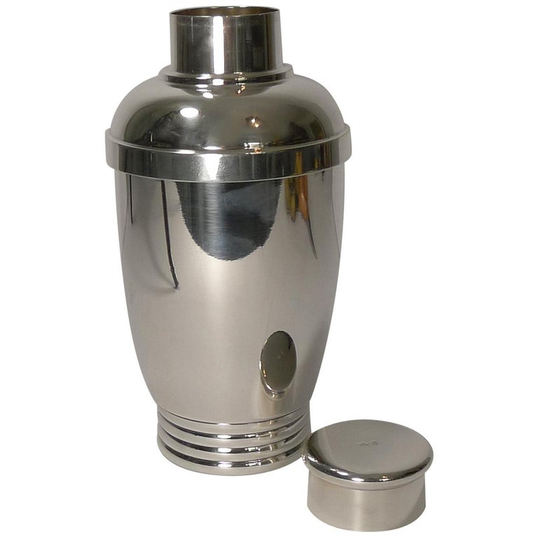 Vintage French Art Deco Silver Plated Cocktail Shaker, circa 1930 For Sale