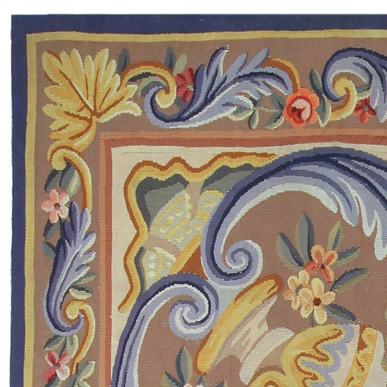 Vintage French Aubusson Rug In Good Condition For Sale In New York, NY