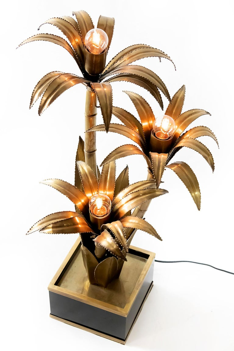 Vintage French table lamp with brass palm floral decor by Maison Jansen.
