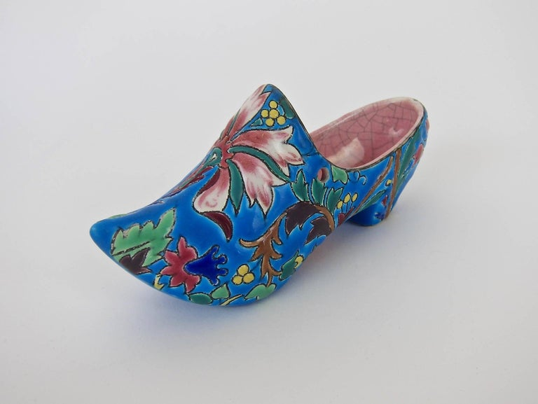Vintage French Emaux de Longwy Wall Pocket Shoe WWII Souvenir or Gift In Good Condition In Los Angeles, CA