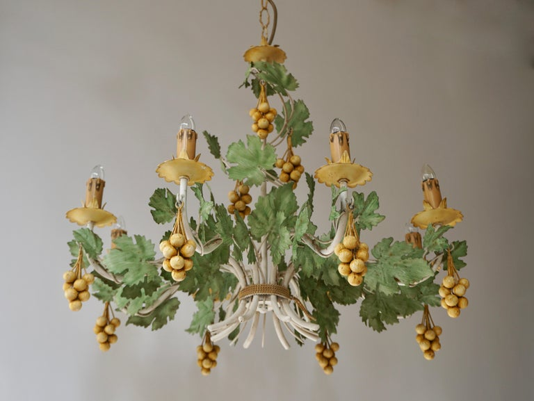 Eight-light French chandelier with yellow grapes throughout. Painted metal frame. Measures: Diameter 67 cm. Height fixture 55 cm. Total height including the chain and canopy 110 cm.