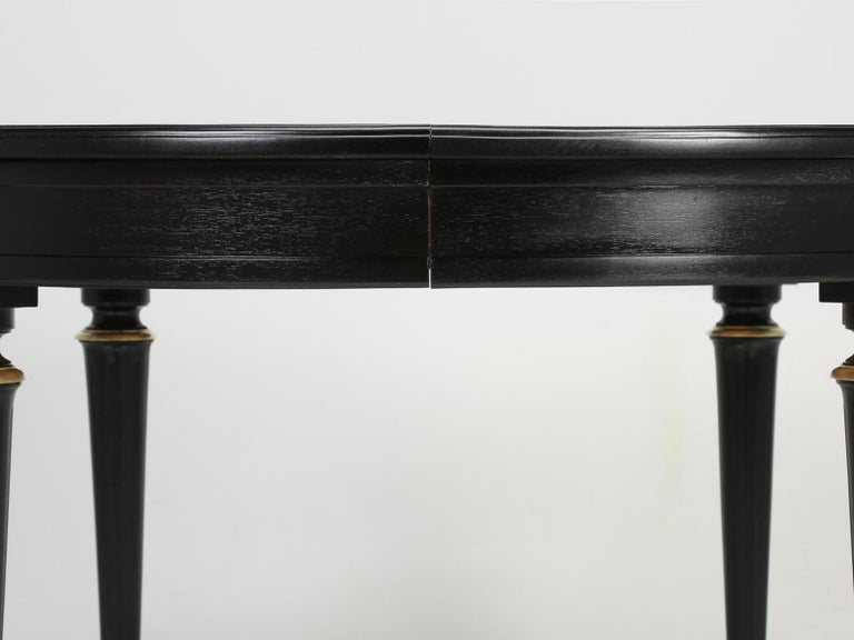 Vintage French Louis XVI Style Round Ebonized Dining Table, Completely Restored For Sale 2