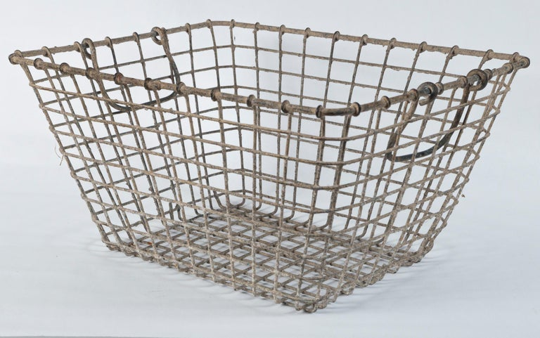 Vintage French Oyster Baskets, Set of Two, 20th Century In Good Condition For Sale In Chappaqua, NY