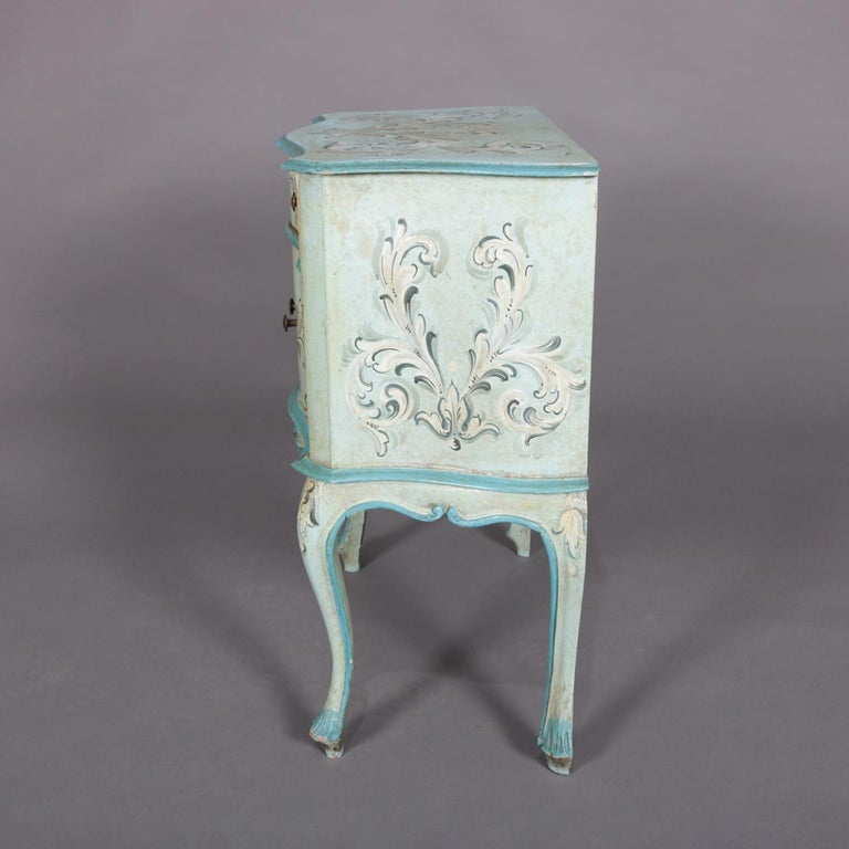 Vintage French Provincial Hand Painted End Stand by Florentia and Made in Italy In Good Condition For Sale In Big Flats, NY