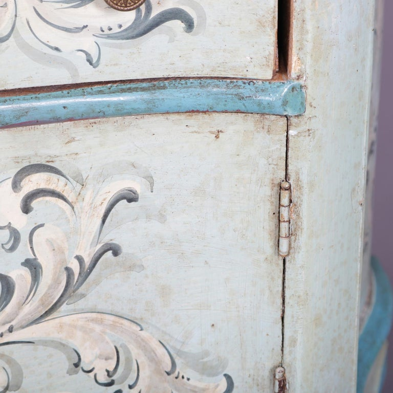 Vintage French Provincial Hand Painted End Stand by Florentia and Made in Italy For Sale 2