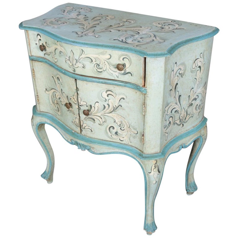 Vintage French Provincial Hand Painted End Stand by Florentia and Made in Italy For Sale