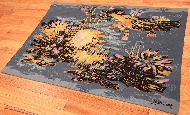 Mid-Century Modern Vintage French Tapestry. Size: 3 ft 7 in x 5 ft (1.09 m x 1.52 m) For Sale