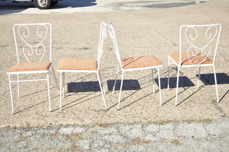 Vintage French Victorian Wrought Iron Flower Garden Patio Dining Set, 5pc Set For Sale 5