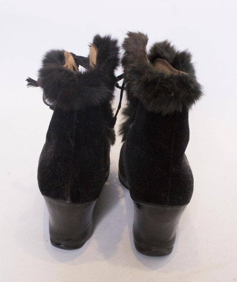 Vintage Fur Trimmed Galoshes Over Shoes.  In Good Condition For Sale In London, GB