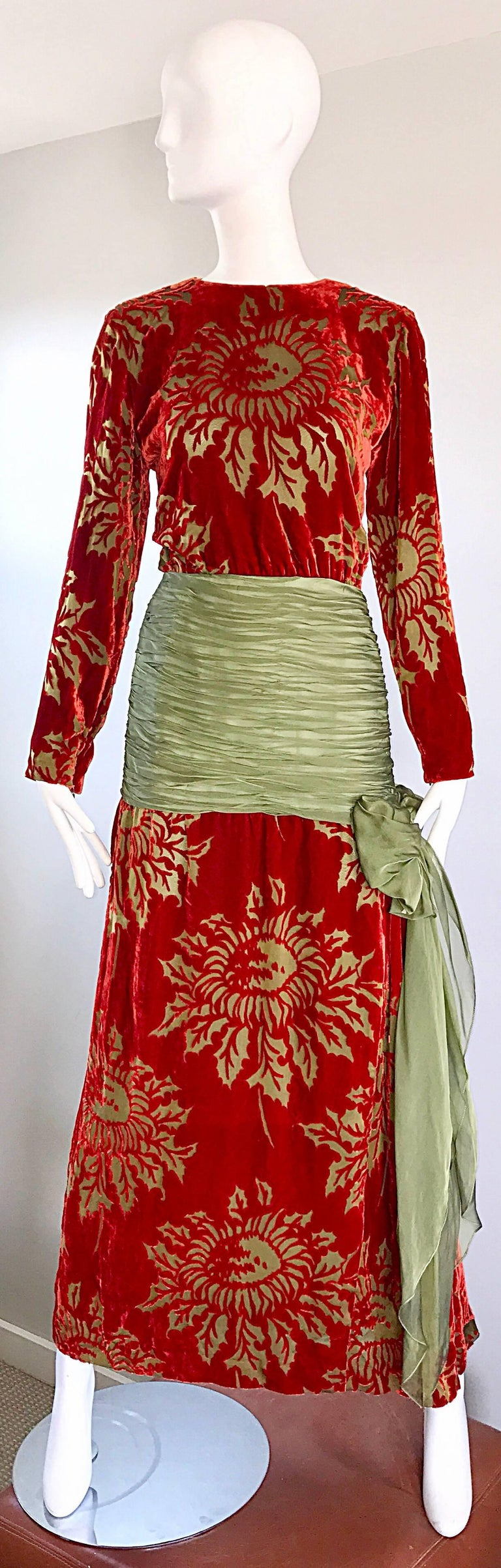 Gorgeous vintage JAMES GALANOS deep red and chartreuse green burn-out silk velvet 1920s style long sleeve evening dress! Gorgeous deep red color with chartreuse cut-outs in shapes of flowers. Drop waist features flattering ruched chartreuse chiffon,