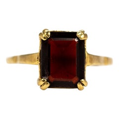 Vintage Garnet and 9 Carat Gold Ring