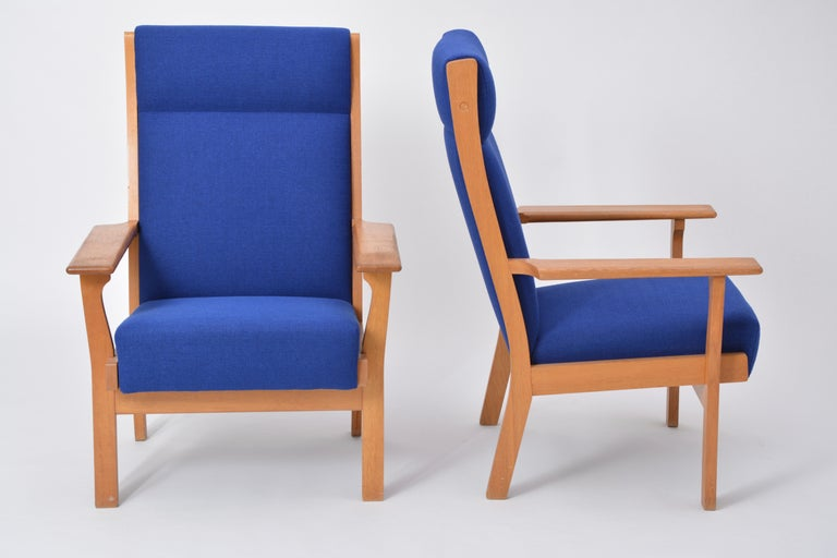 Vintage Ge 181 a Lounge Chairs by Hans Wegner for GETAMA, Set of Two In Good Condition For Sale In Berlin, DE