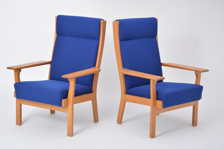 Vintage Ge 181 a Lounge Chairs by Hans Wegner for GETAMA, Set of Two For Sale 1