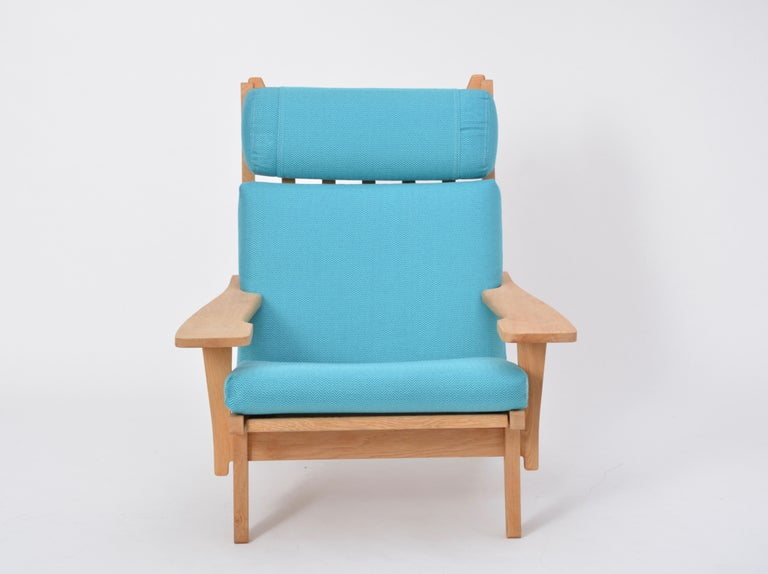 Oak Turquoise Mid-Century Modern GE 375 Easy Chair by Hans J. Wegner for GETAMA  For Sale